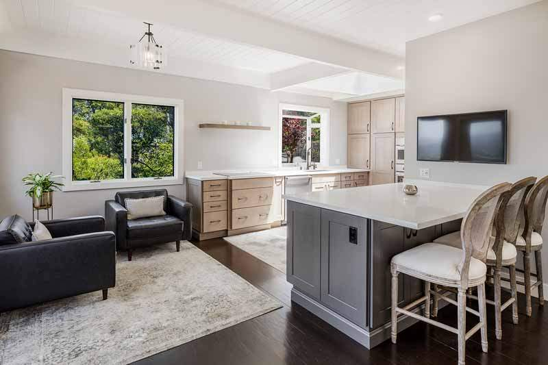 Kitchen, dining bar, and sitting area,  10 Woodhue Lane