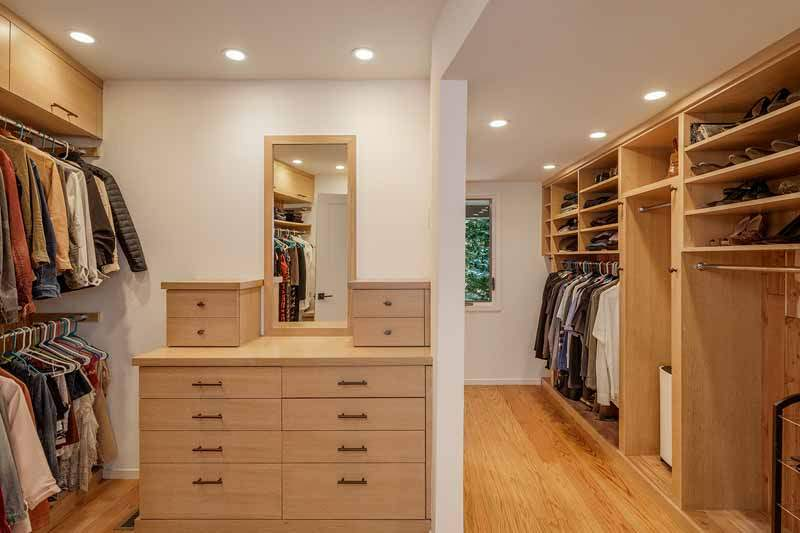 Walk-in closet, Master bedroom, 10 Woodhue Lane