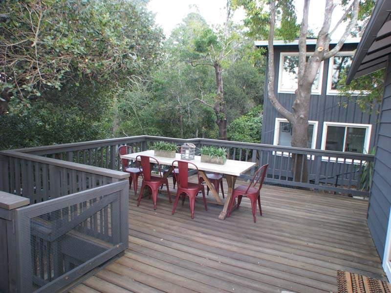 Cottage-deck