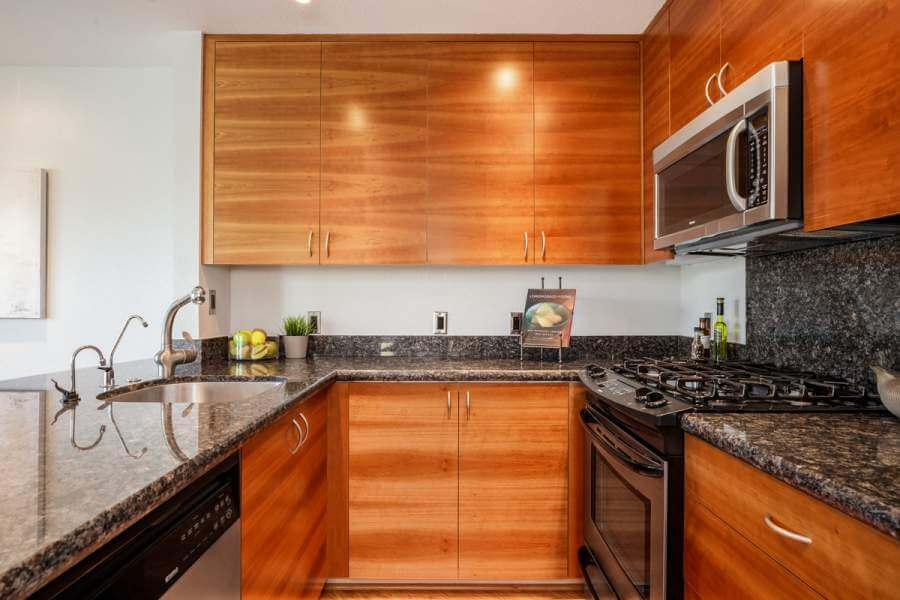 06-100-Lucky-Dr-107-kitchen-mls