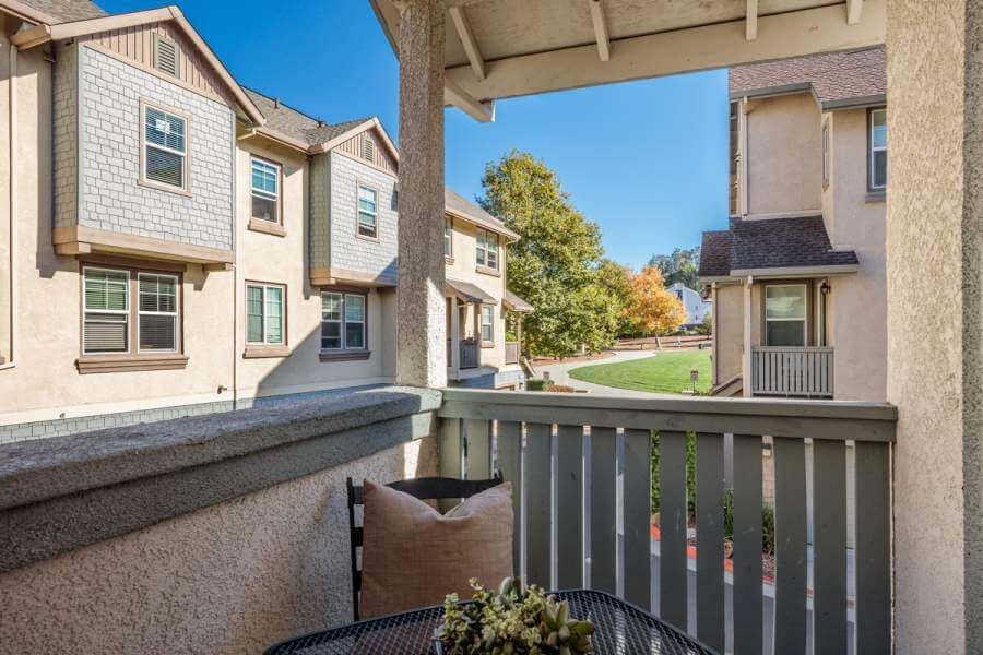 08-108-Almond-balcony-mls