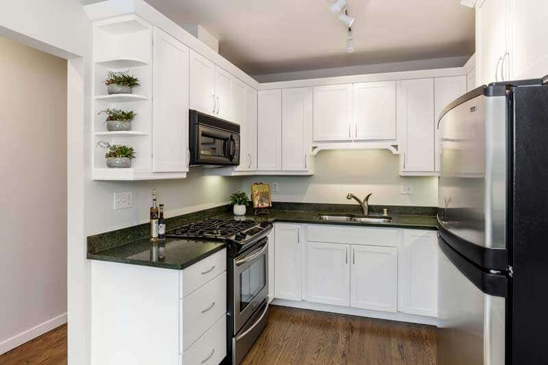 09-121-Meadow-Creek-kitchen-mls