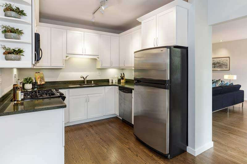 10-121-Meadow-Creek-kitchen-mls