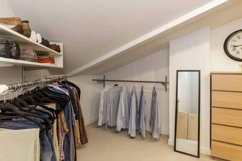 23-Creekside-bedroom1-closet