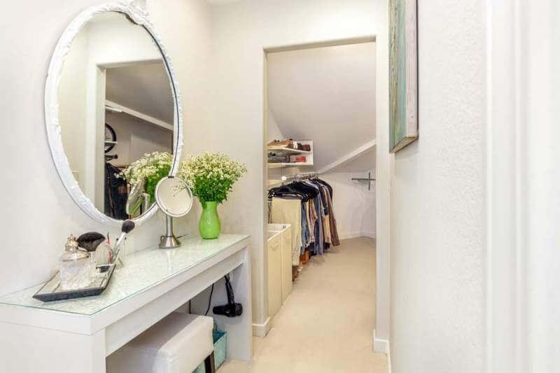 23-Creekside-bedroom1-closet2