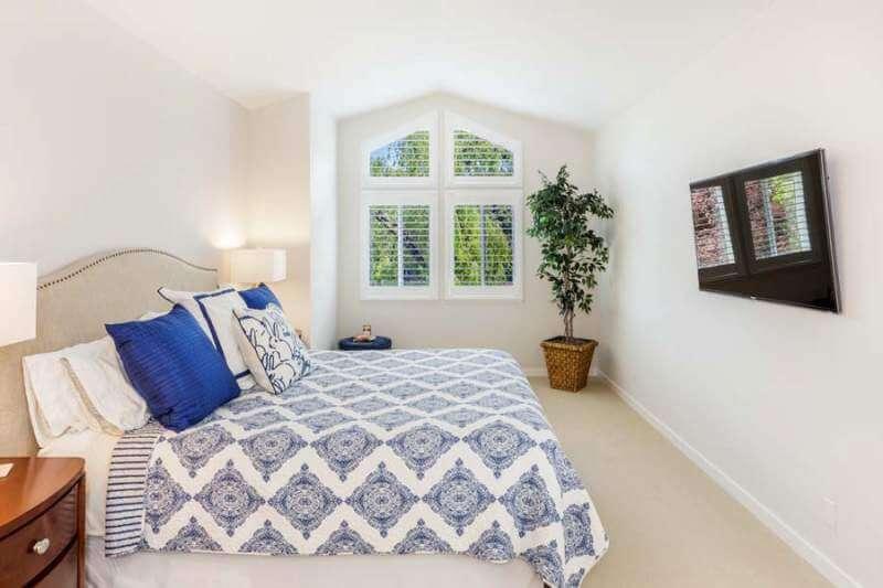 23-Creekside-bedroom1