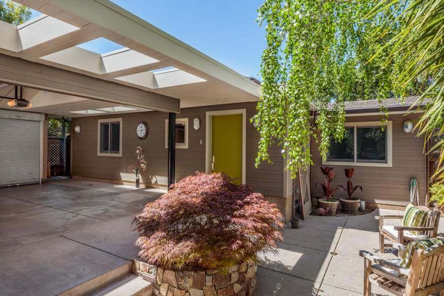 05-420-Oakdale-front-patio-mls