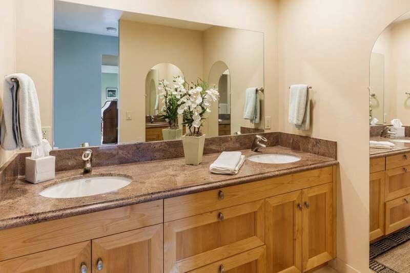 Master bathroom | 565 Via Casitas #32, Greenbrae, CA
