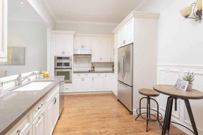 Kitchen with breakfast area,  8 Greenside Way