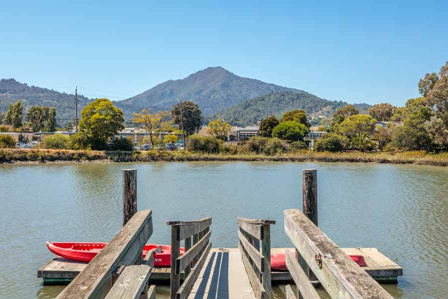 Rare waterfront condo in Corte Madera with Community boat dock